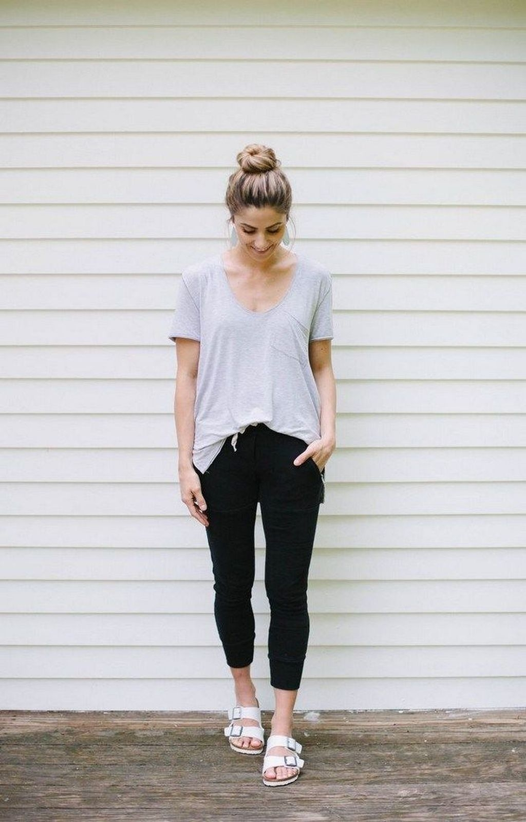 Inspiring Summer Outfits Ideas With Leggings To Try39