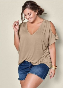 Trendy Plus Sized Style Ideas For Women12