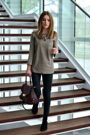 Unique Office Outfits Ideas For Career Women13