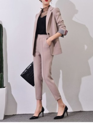Unique Office Outfits Ideas For Career Women25