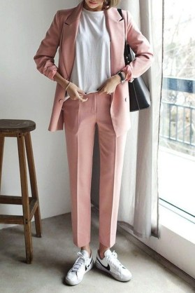 Unique Office Outfits Ideas For Career Women26
