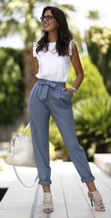 Unique Office Outfits Ideas For Career Women35