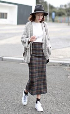 Attractive Sneakers Outfit Ideas For Fall And Winter07