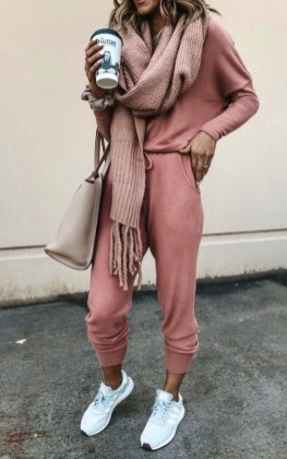 Attractive Sneakers Outfit Ideas For Fall And Winter34