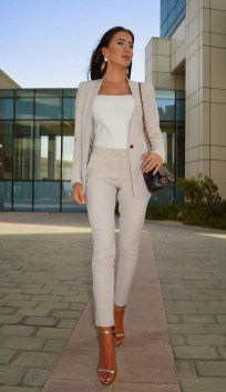 Attractive Spring And Summer Business Outfit Ideas For Women18