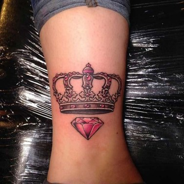 Comfy Crown Tattoos Ideas Youll Need To See02