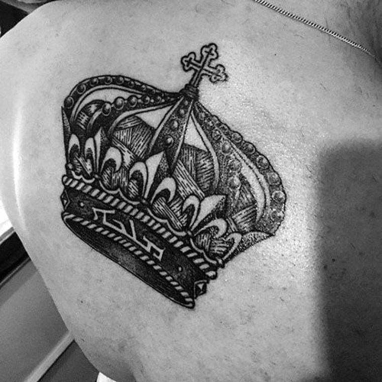 Comfy Crown Tattoos Ideas Youll Need To See35