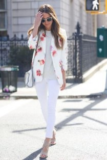 Cozy Combinations Ideas With Floral Blazers You Must Try07