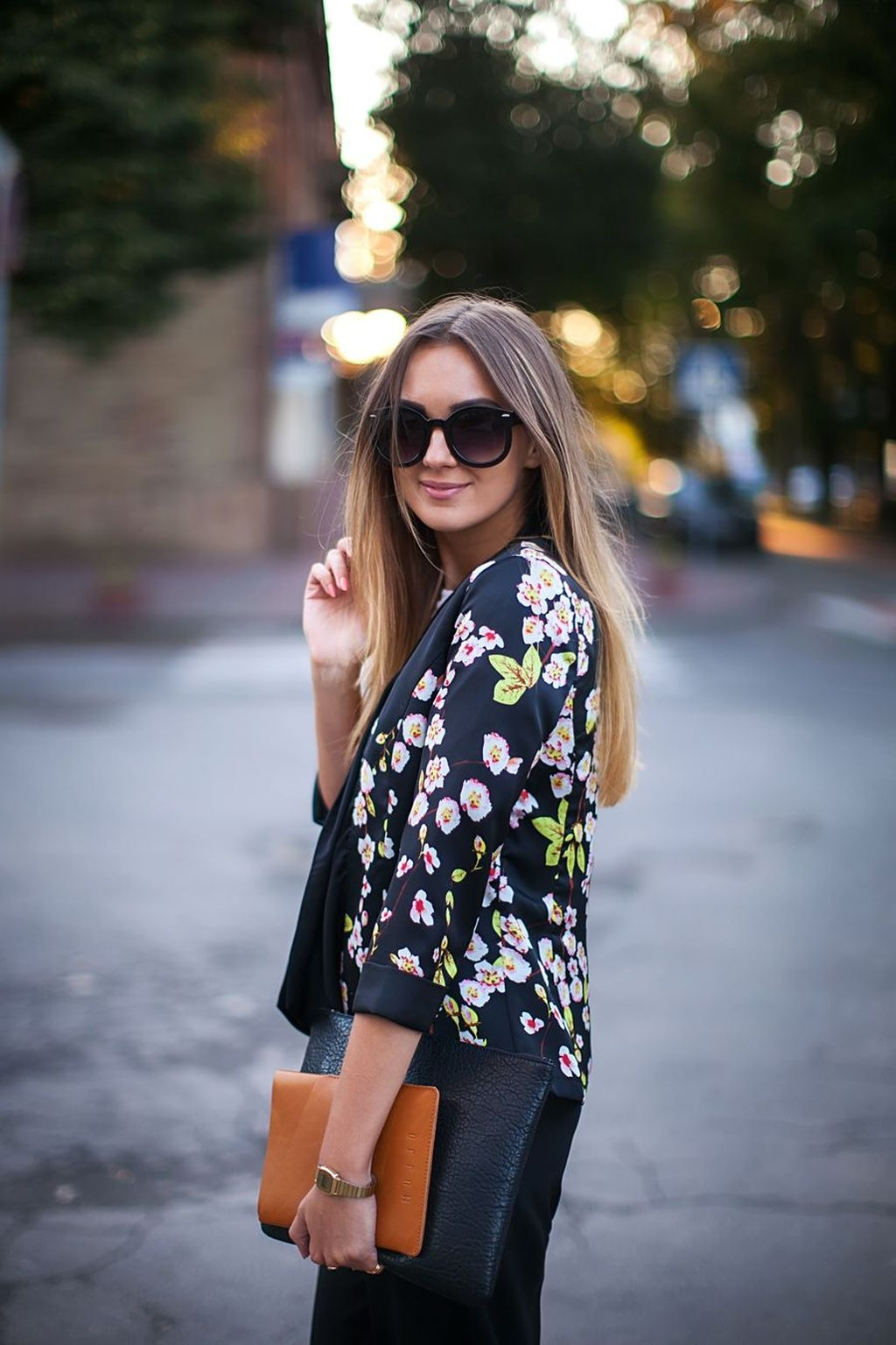 Cozy Combinations Ideas With Floral Blazers You Must Try19