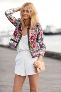 Cozy Combinations Ideas With Floral Blazers You Must Try20