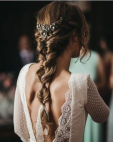 Elegant Wedding Hairstyle Ideas For Brides To Try05
