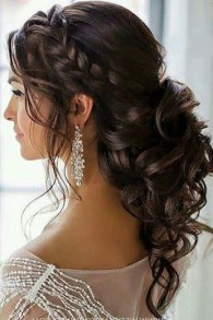 Elegant Wedding Hairstyle Ideas For Brides To Try30