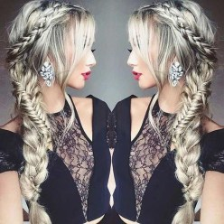 Gorgeous Prom Hairstyles Ideas For Women You Must Try30
