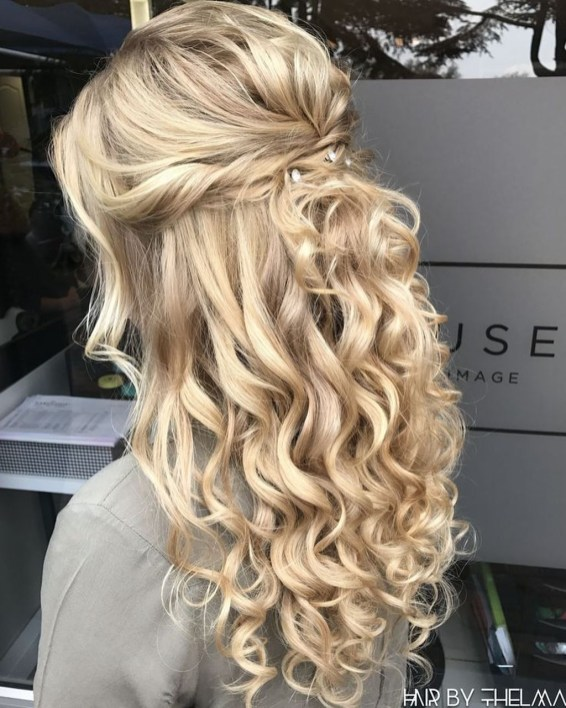 Gorgeous Prom Hairstyles Ideas For Women You Must Try38