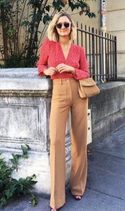 Impressive Spring And Summer Work Outfits Ideas For Women33