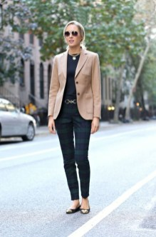Impressive Spring And Summer Work Outfits Ideas For Women41