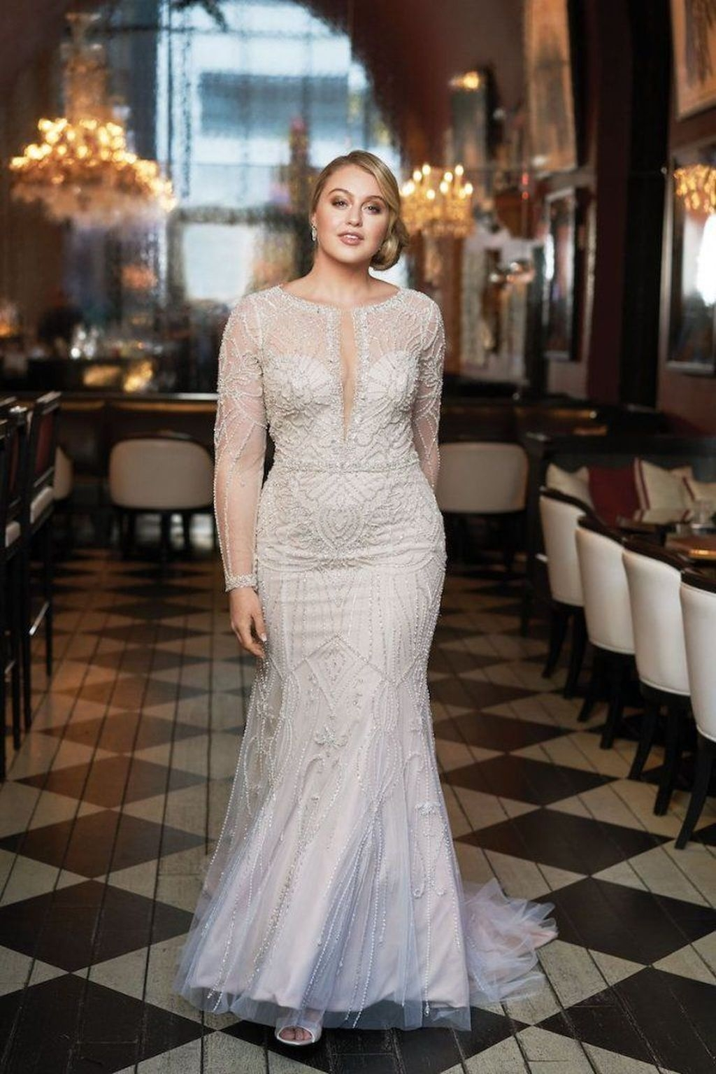 Impressive Wedding Dresses Ideas That Are Perfect For Curvy Brides26
