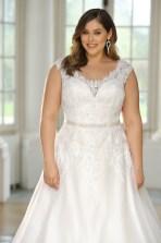 Impressive Wedding Dresses Ideas That Are Perfect For Curvy Brides28
