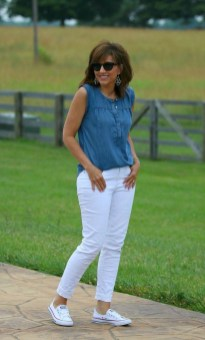 Inspiring Spring And Summer Outfits Ideas For Women Over 4002