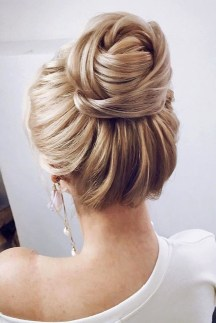 Unique Bun Hairstyles Ideas That Youll Love03