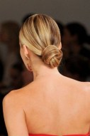 Unique Bun Hairstyles Ideas That Youll Love08