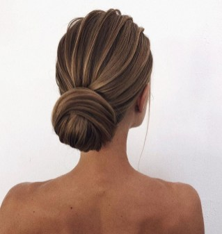 Unique Bun Hairstyles Ideas That Youll Love22