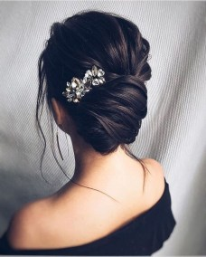 Unique Bun Hairstyles Ideas That Youll Love24