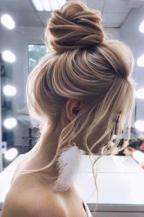 Unique Bun Hairstyles Ideas That Youll Love37