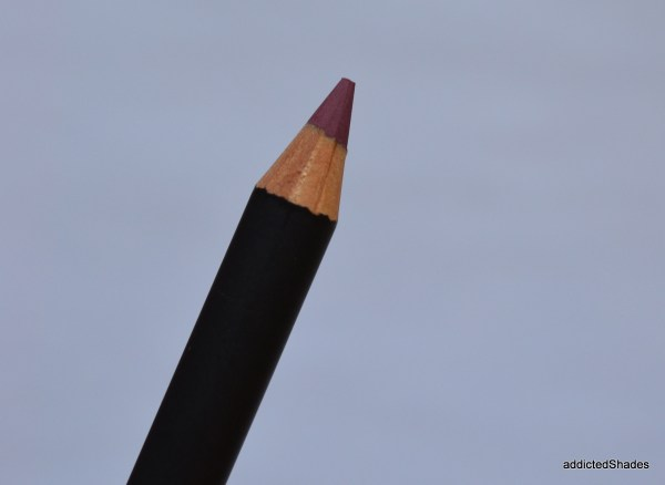 MAC Half Red Lip Pencil