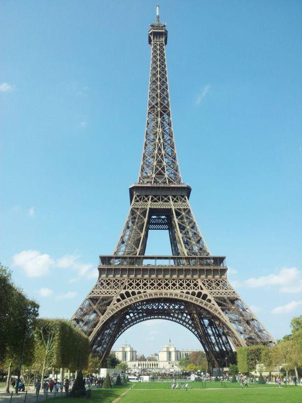 Addina Yuri Tourist Spots Paris France Addinafirmanadia