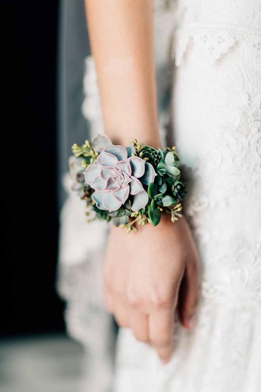 live-succulent-jewlery-columbus-ohio-bridal-shoot-51