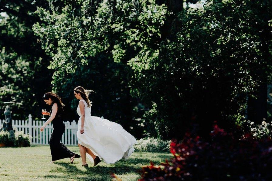 lake-erie-airbnb-backyard-wedding-cleveland-ohio-058