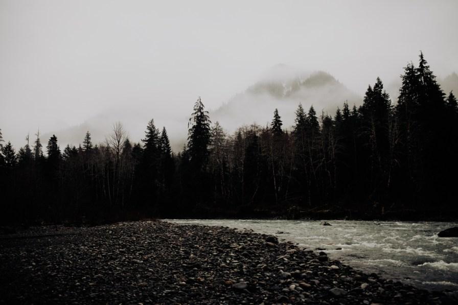 Wenatchee-national-forest-engagement-session-photographer-010.jpg