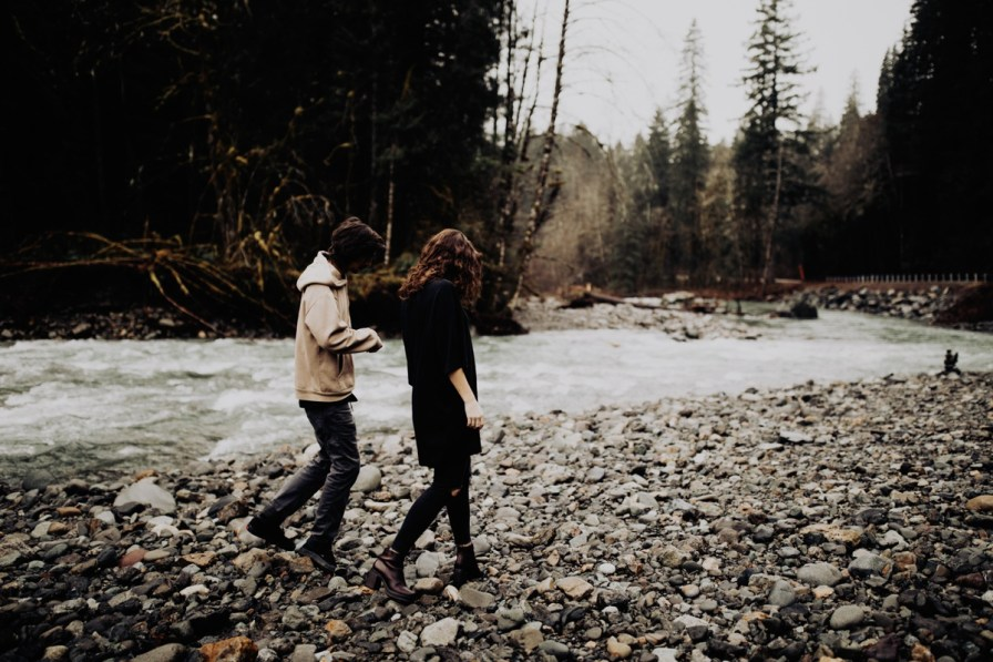Wenatchee-national-forest-engagement-session-photographer-011.jpg