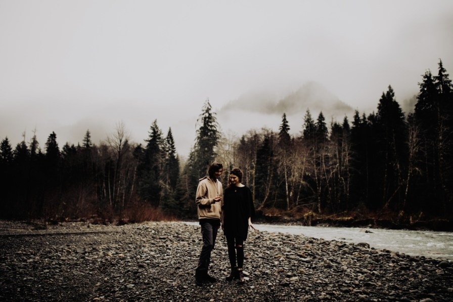 Wenatchee-national-forest-engagement-session-photographer-015.jpg