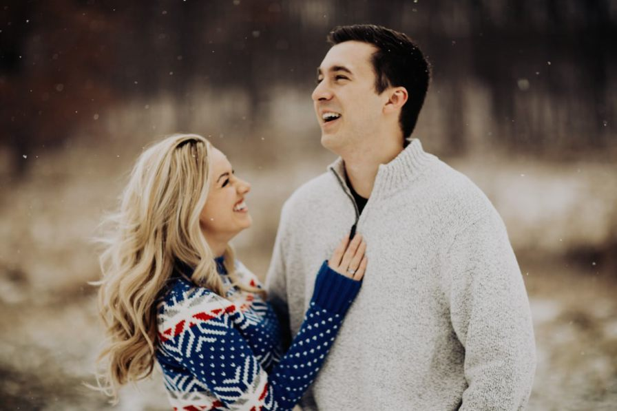 cute-winter-engagement-session-004.jpg