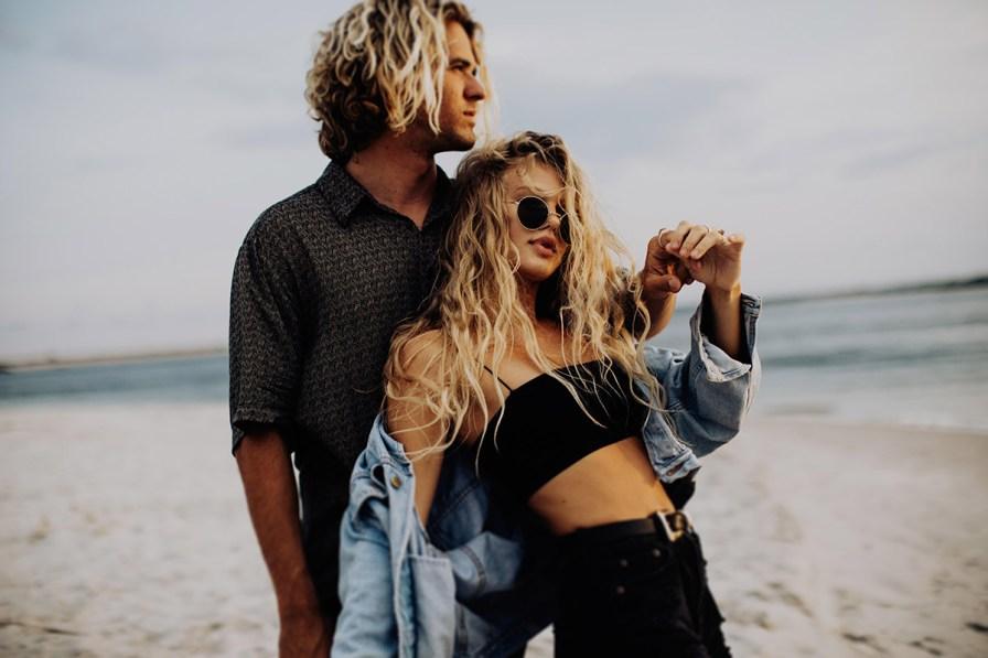 wilmington-beach-north-carolina-photographer-surfer-couple-002.jpg
