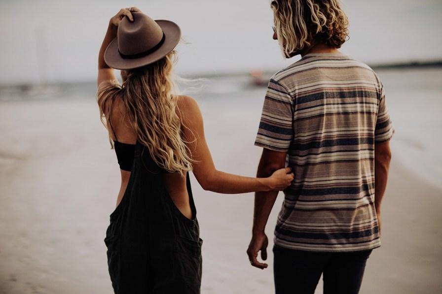 wilmington-beach-north-carolina-photographer-surfer-couple-005.jpg