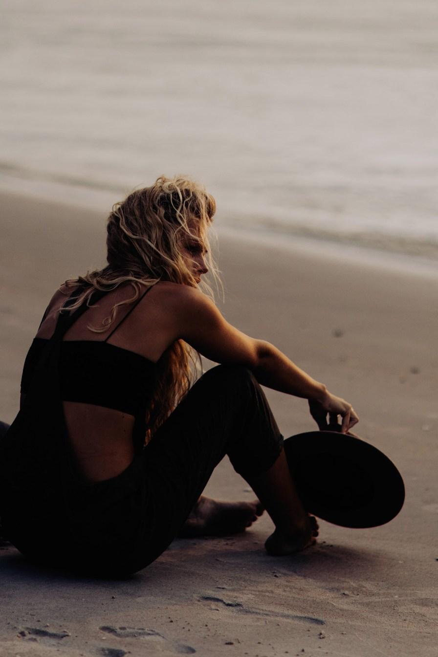 wilmington-beach-north-carolina-photographer-surfer-couple-017.jpg