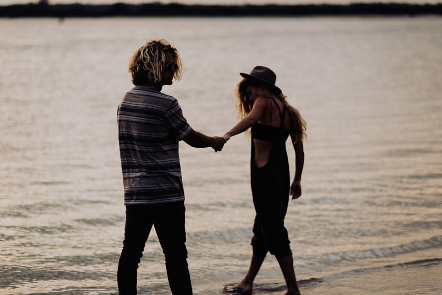 wilmington-beach-north-carolina-photographer-surfer-couple-022.jpg