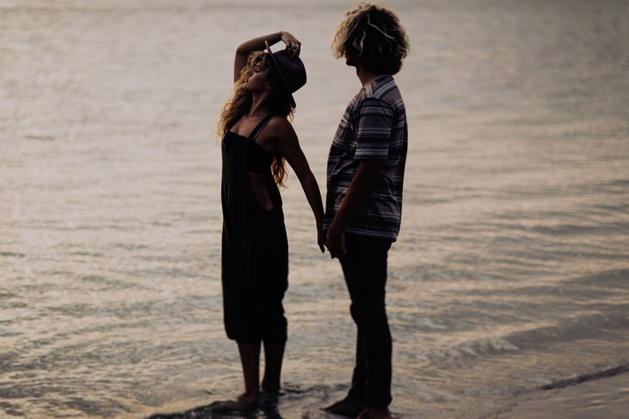 wilmington-beach-north-carolina-photographer-surfer-couple-024.jpg