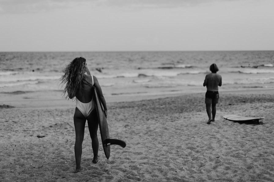 wilmington-beach-north-carolina-photographer-surfer-couple-033.jpg