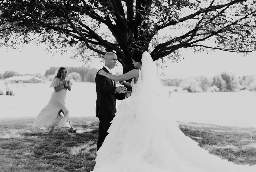 cleveland-backyard-wedding-best-cleveland-wedding-photographer-addison-jones-photography-0024.jpg