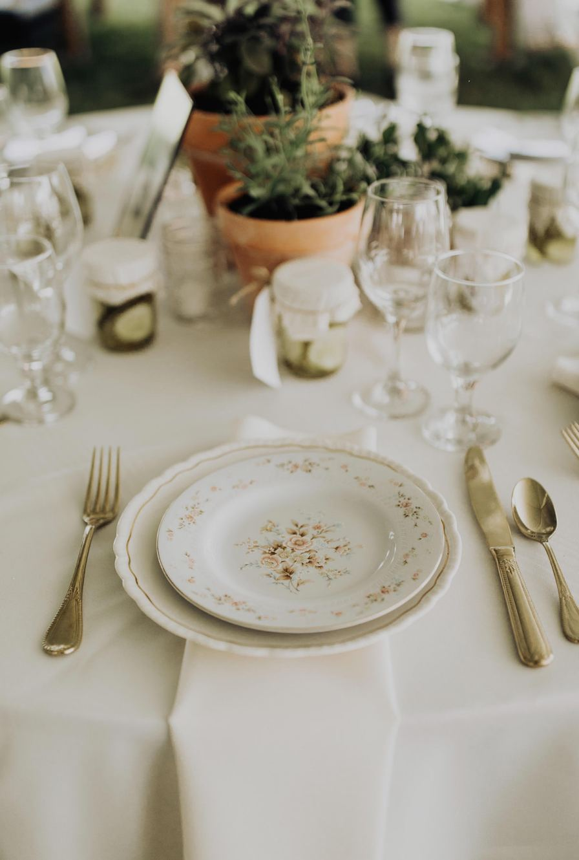 cleveland-backyard-wedding-best-cleveland-wedding-photographer-addison-jones-photography-0033.jpg