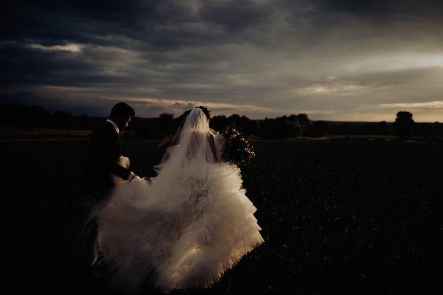 cleveland-backyard-wedding-best-cleveland-wedding-photographer-addison-jones-photography-0129.jpg