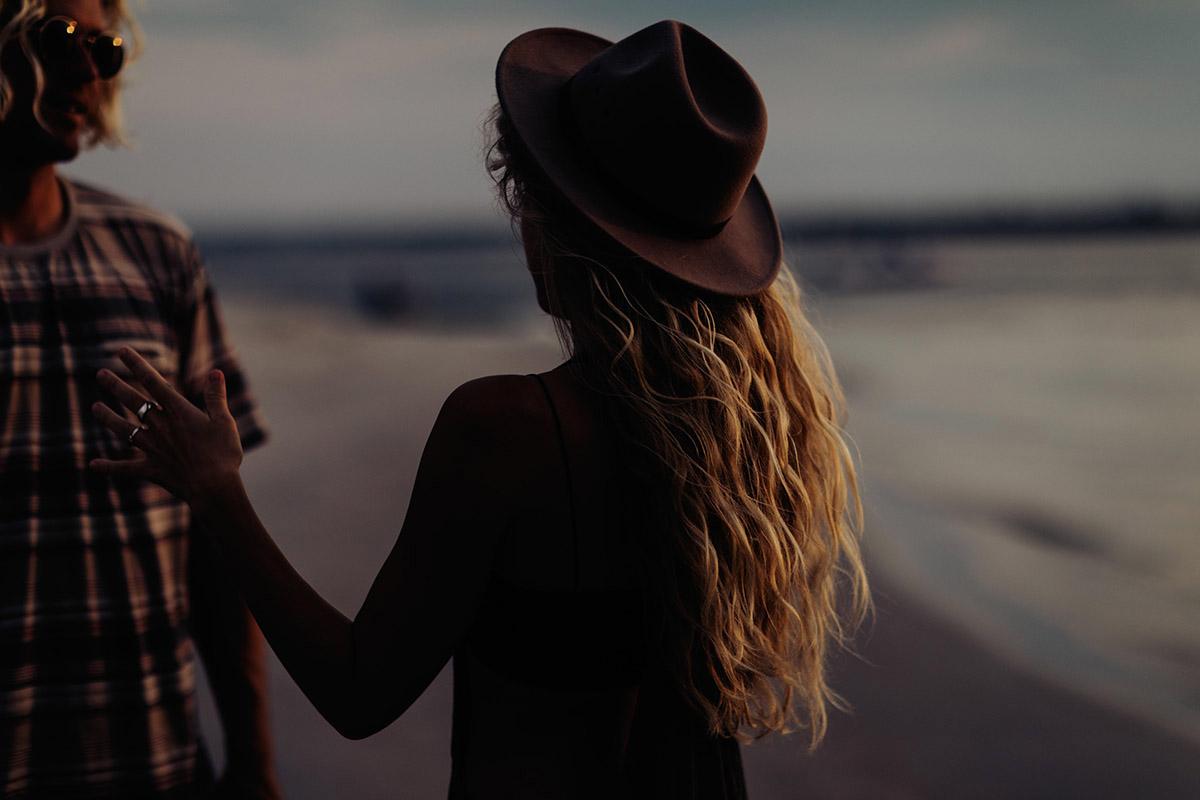 Maui-Elopement-Photographer-golden-hair-golden-sunset