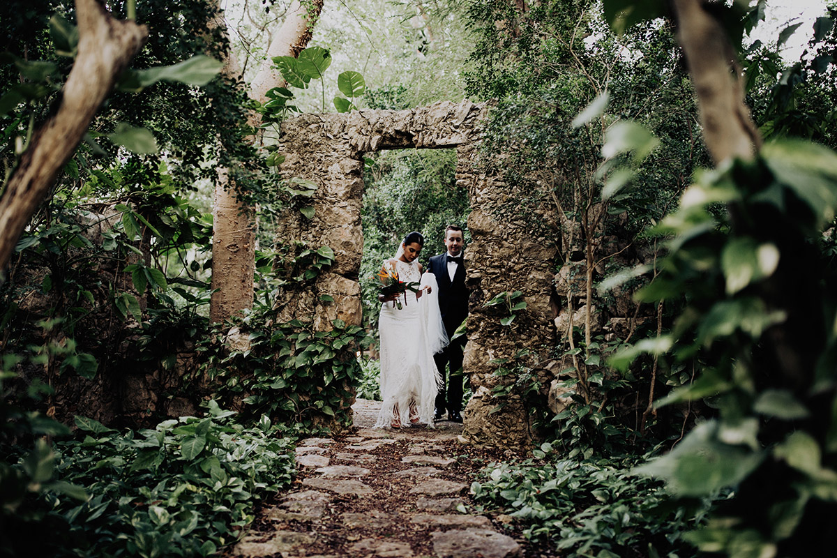 destination-elopement-photographer-yucatan-mexico-couple-walking