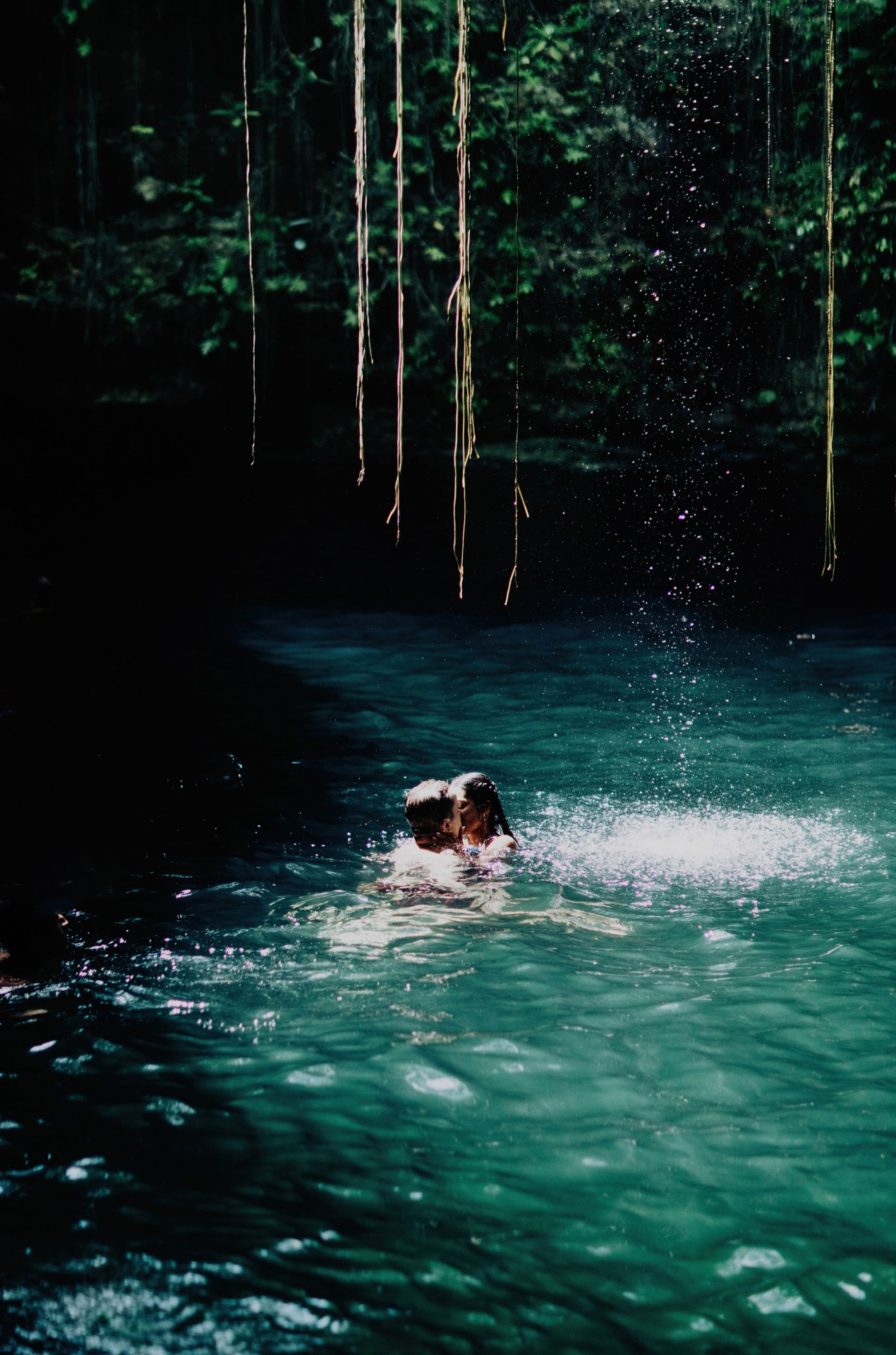 merida-yucatan-elopment-photographer-bride-getting-dressed