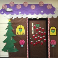 Gingerbread House Christmas Door Decorations | www ...