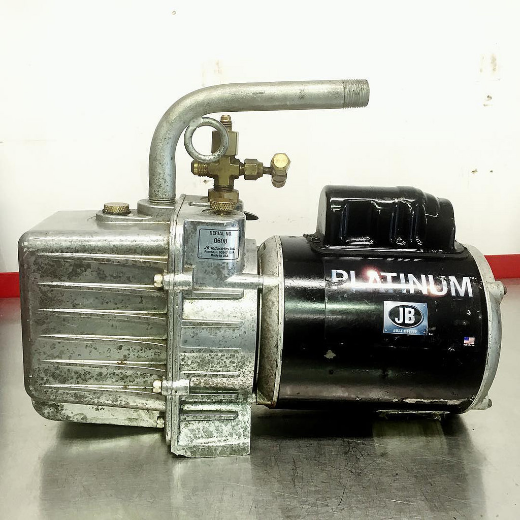 JB Industries Platinum DV-200N vacuum pump